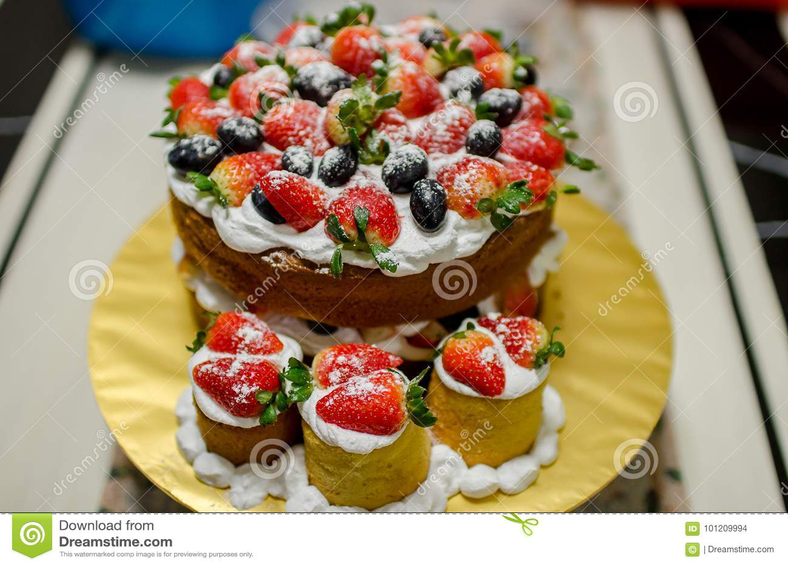 Whole Victoria Sandwich Cake Stock Photo Image Of Cream