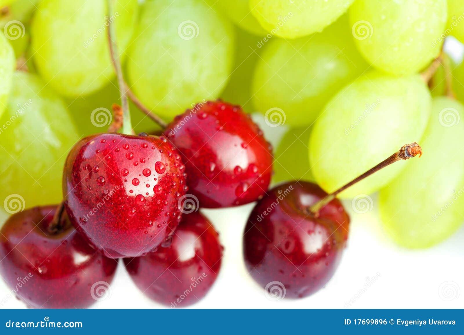 Wiśni winogrona odizolowywali biel