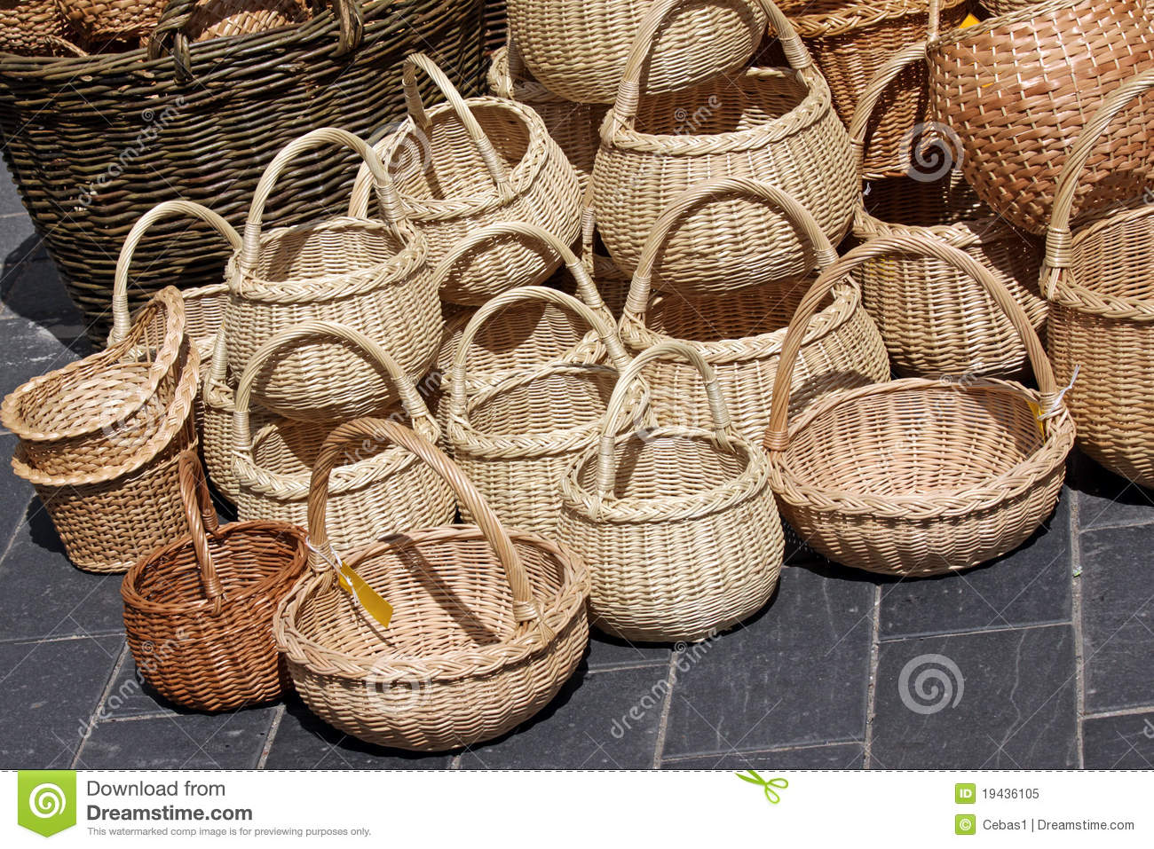 Wicker Baskets On Sale Royalty Free Stock Photo Image