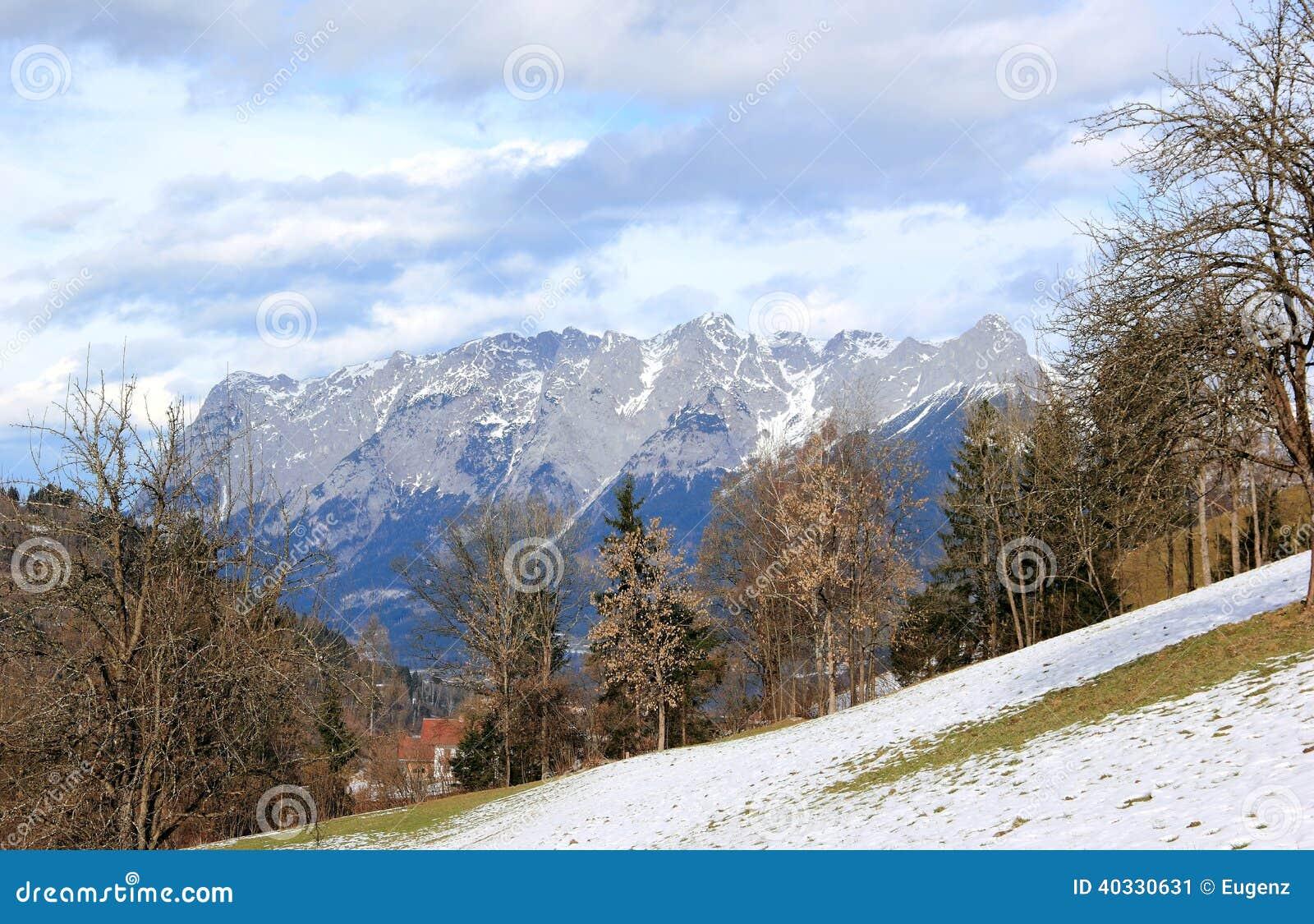 Widok Alps od Sankt Johann Austria