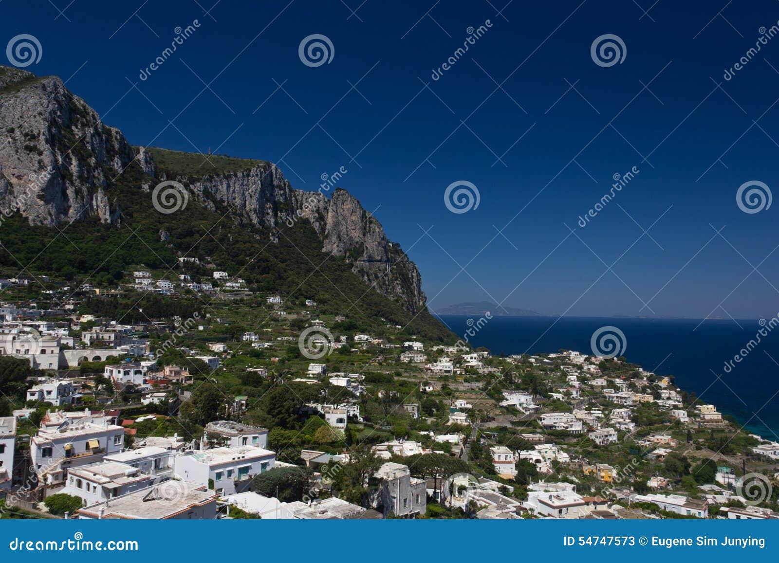 Widok domy otacza głównego schronienie Capri