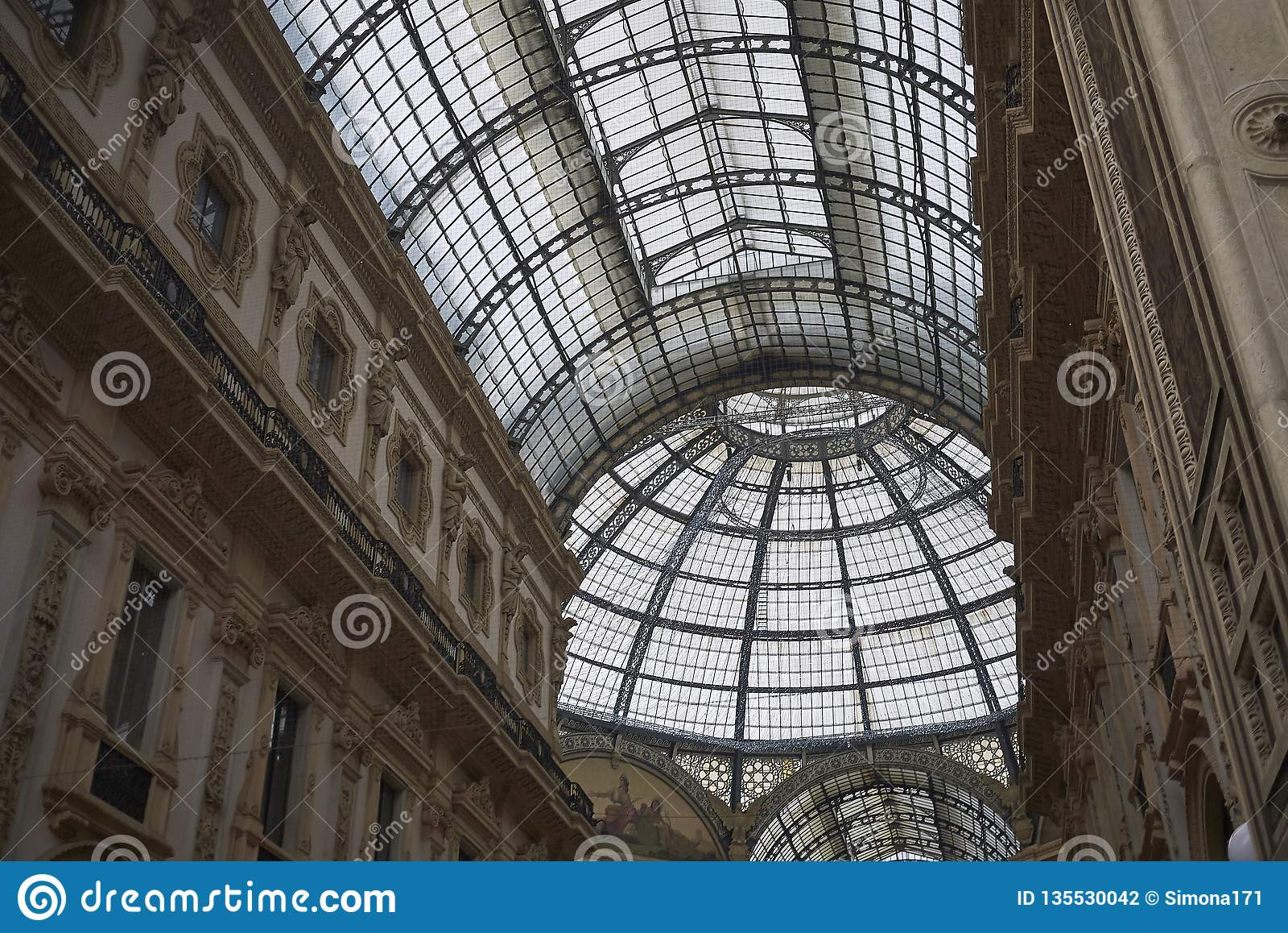 Widok Galleria Vittorio Emanuele II