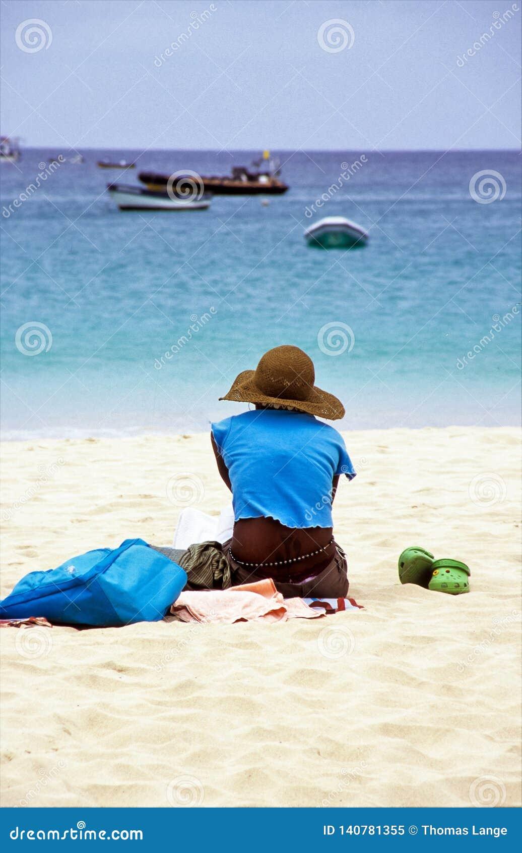 Widok horyzont - Relaksujący, marzący lub podróżomanio? -