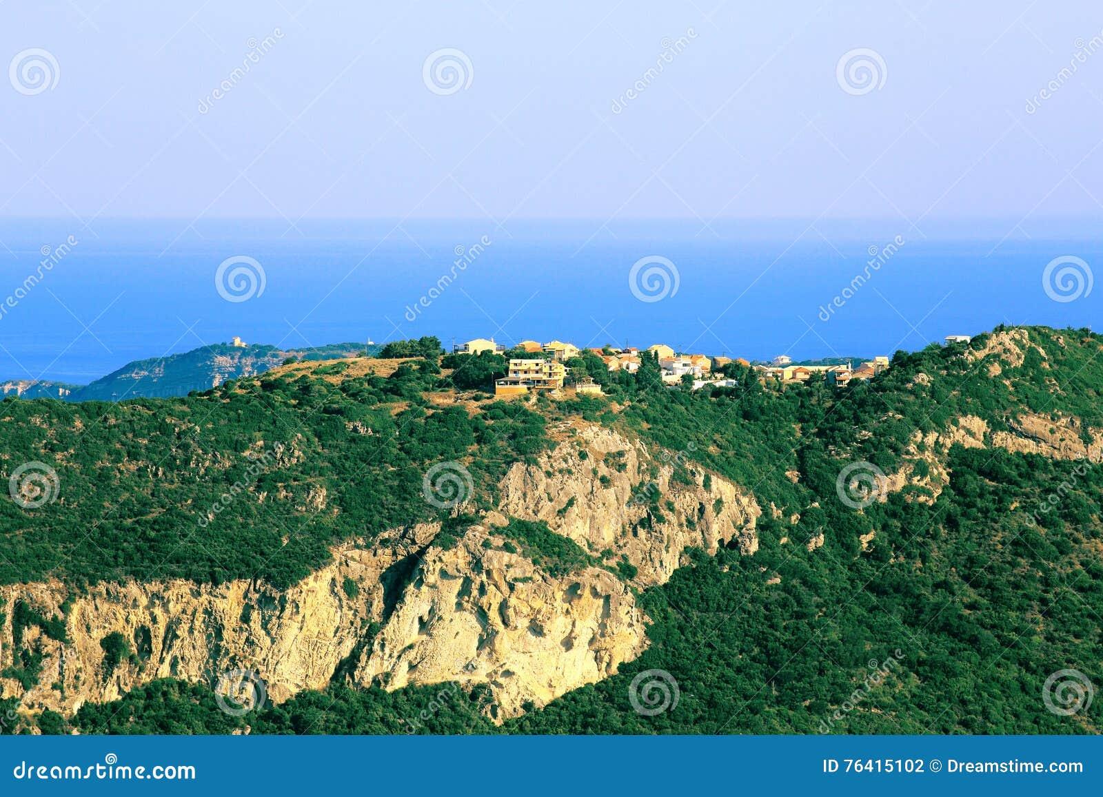 Widok na Afionas na Corfu wyspie