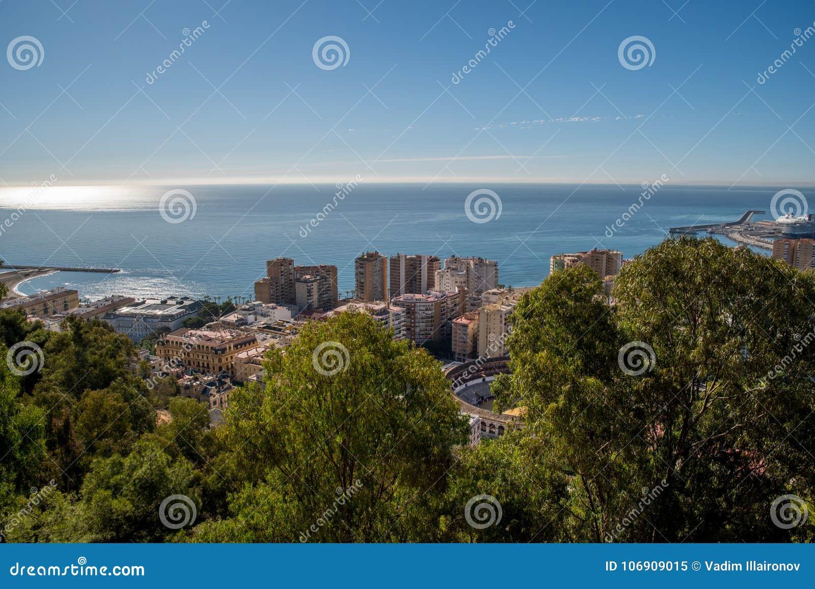 Widok na Malaga od wierzchołka