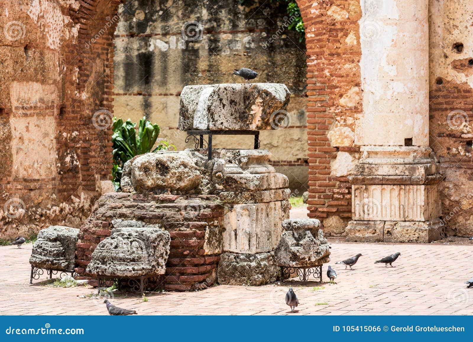 Widok na ruinach szpital St Nicolas Bari, Santo Domingo, republika dominikańska