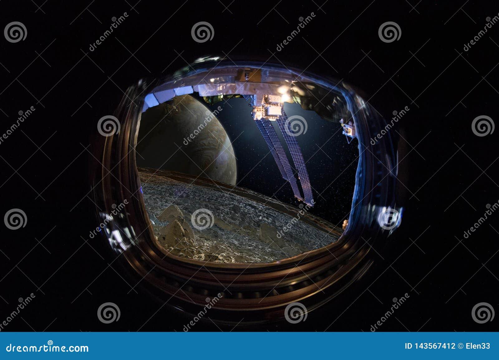 Widok od okno statek kosmiczny na obcych światach, Jupiter i swój księżyc Europa, Ð ¡ oncept ludzka eksploracja przestrzeni kosmi