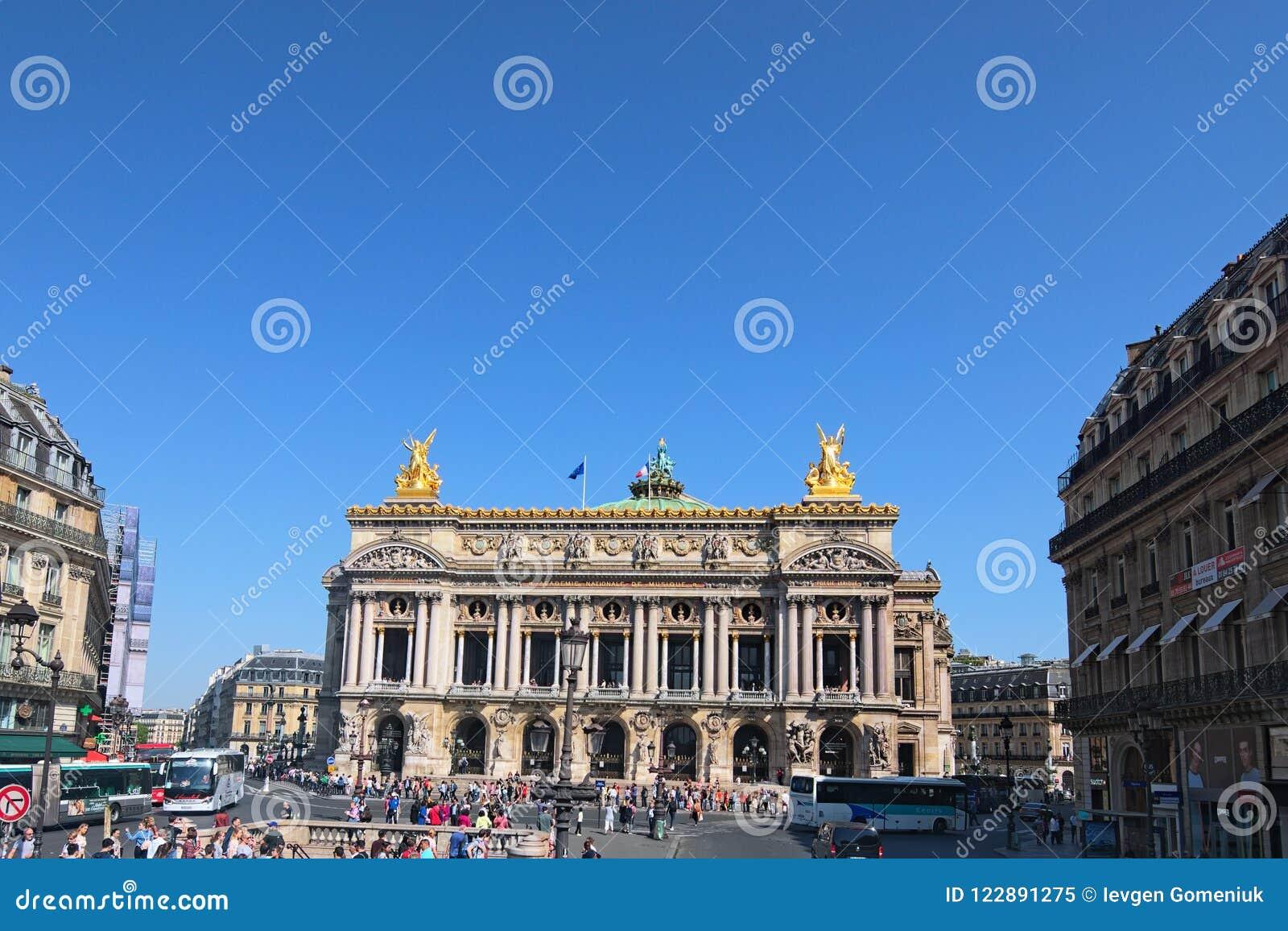 Widok opera obywatel de Paryż Uroczystej opery opera Garnier jest sławnym baroku budynkiem w Paryż