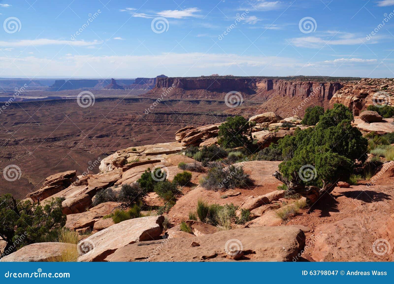Widok przez Murphy pasmo w Canyonlands NP