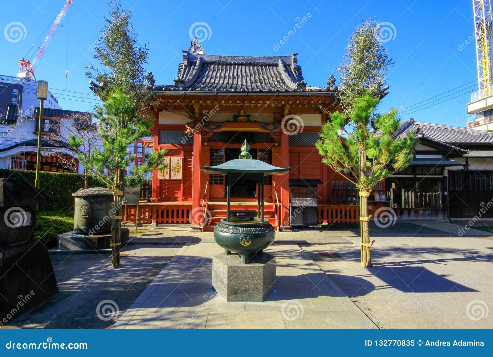 Widok Sensoji świątynia, także znać jako Asakusa Kannon Popularny dla turystów i Mnie ` s stara świątynia w Tokio