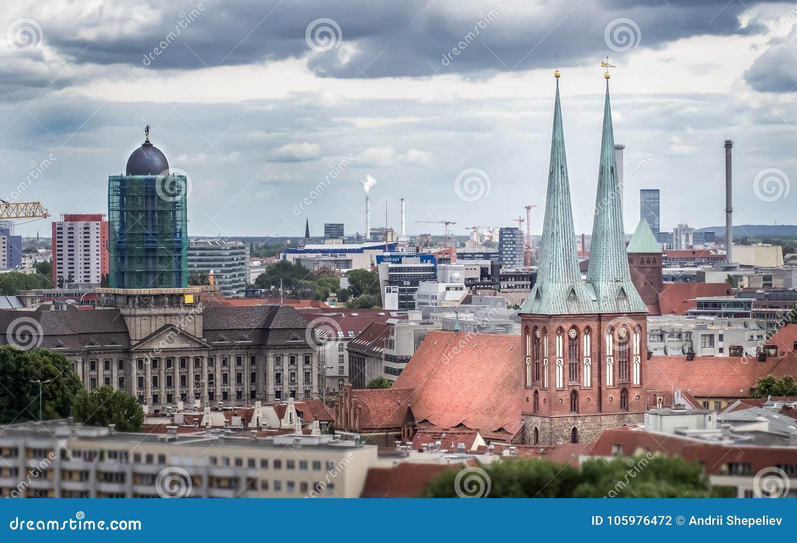 Widok St Nicholas kościół Nikolaikirche