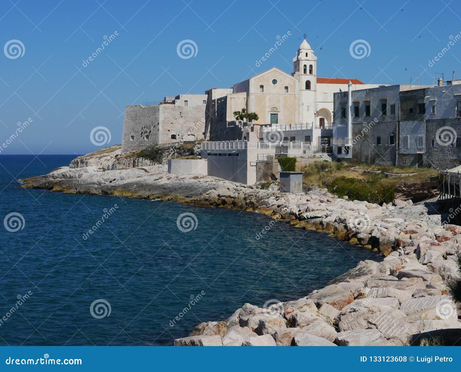 Widok Vieste, Apulia region, południowy Włochy