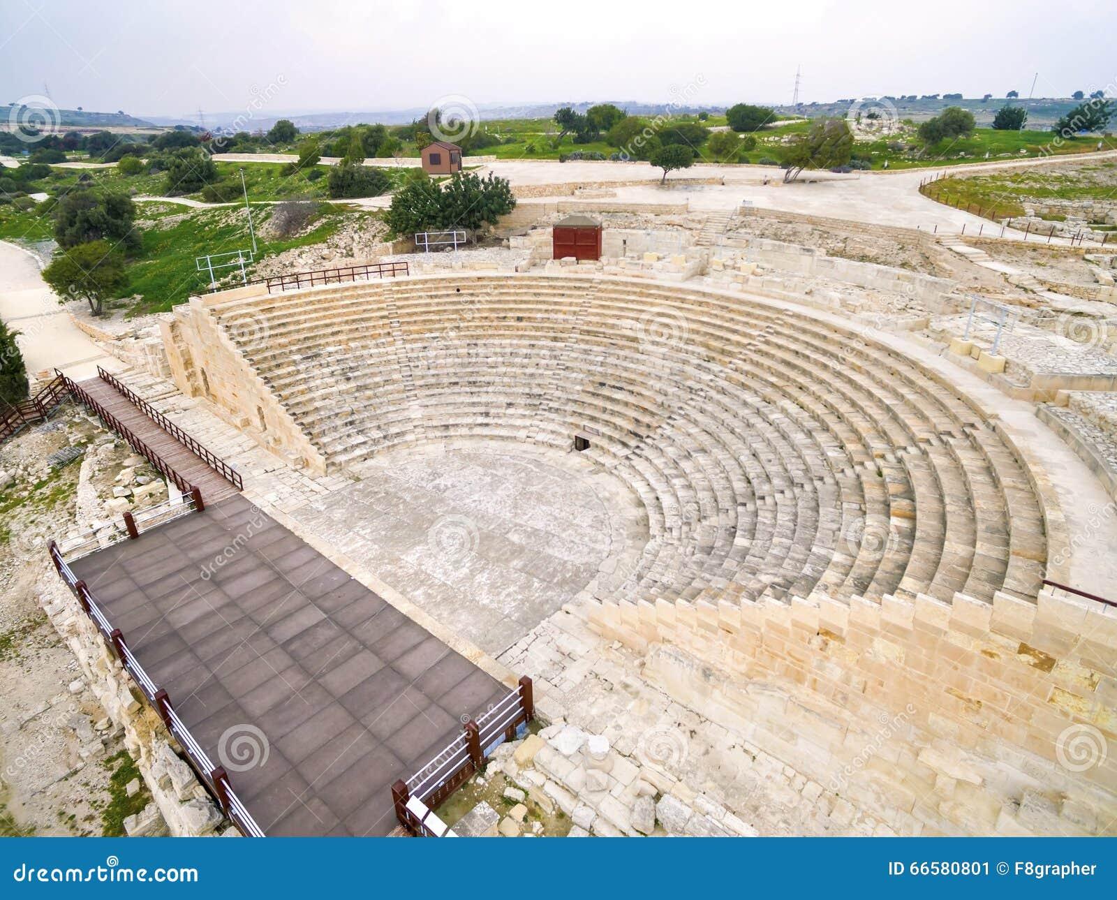 Widok z lotu ptaka antyczny theatre Kourion
