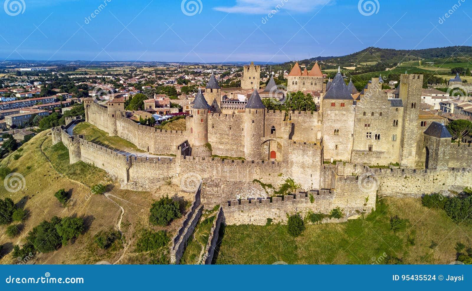 Widok z lotu ptaka Carcassonne średniowieczny miasto i forteca roszujemy od above, Południowy Francja
