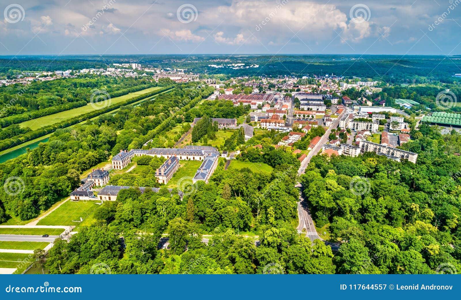 Widok z lotu ptaka Fontainebleau i Avon Seine-et-Marne dział Francja