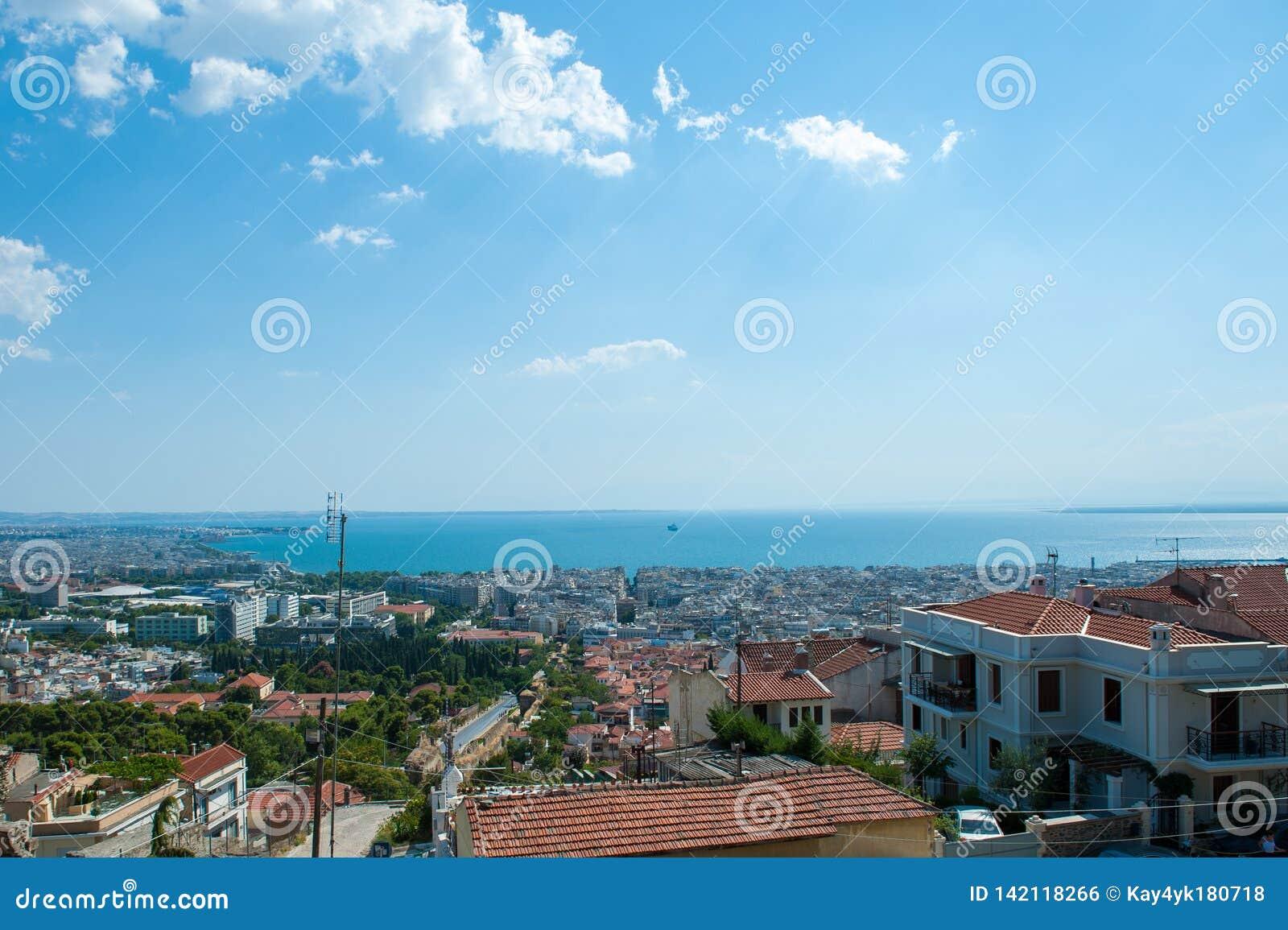 Widok z lotu ptaka miasto w północny grek