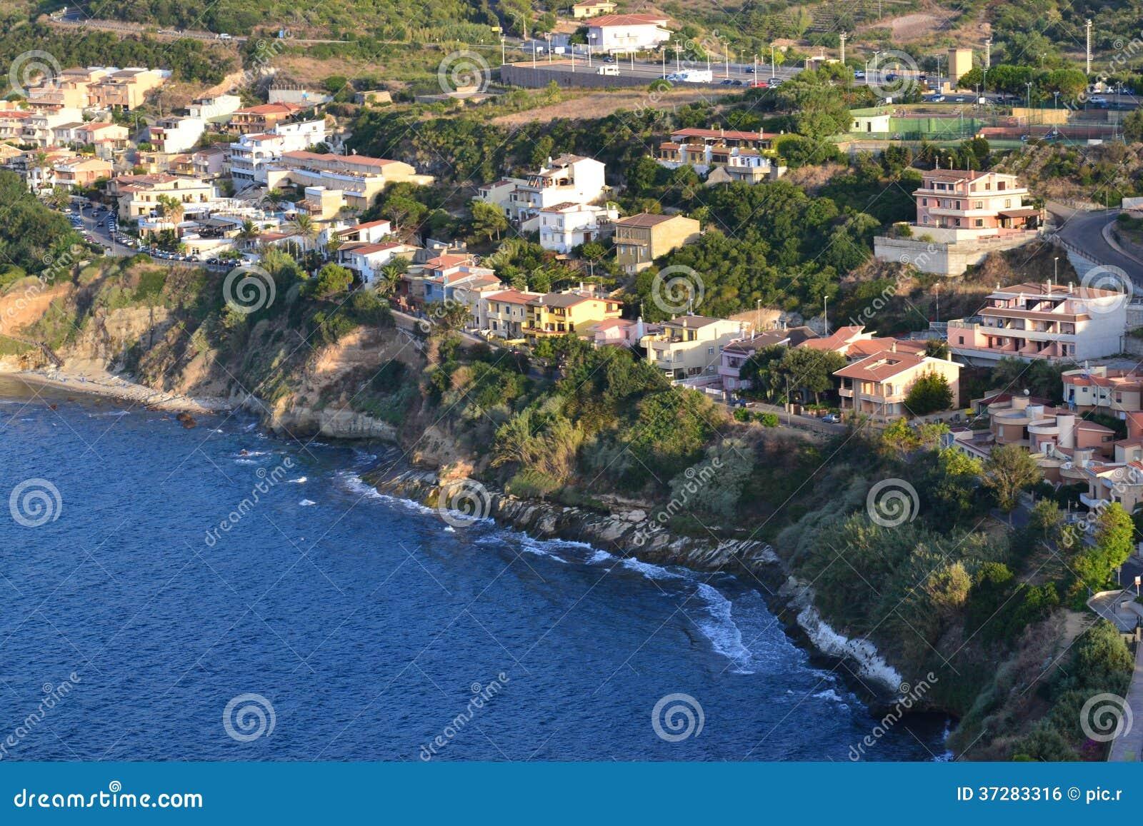 Widok z lotu ptaka nadmorski miasteczko