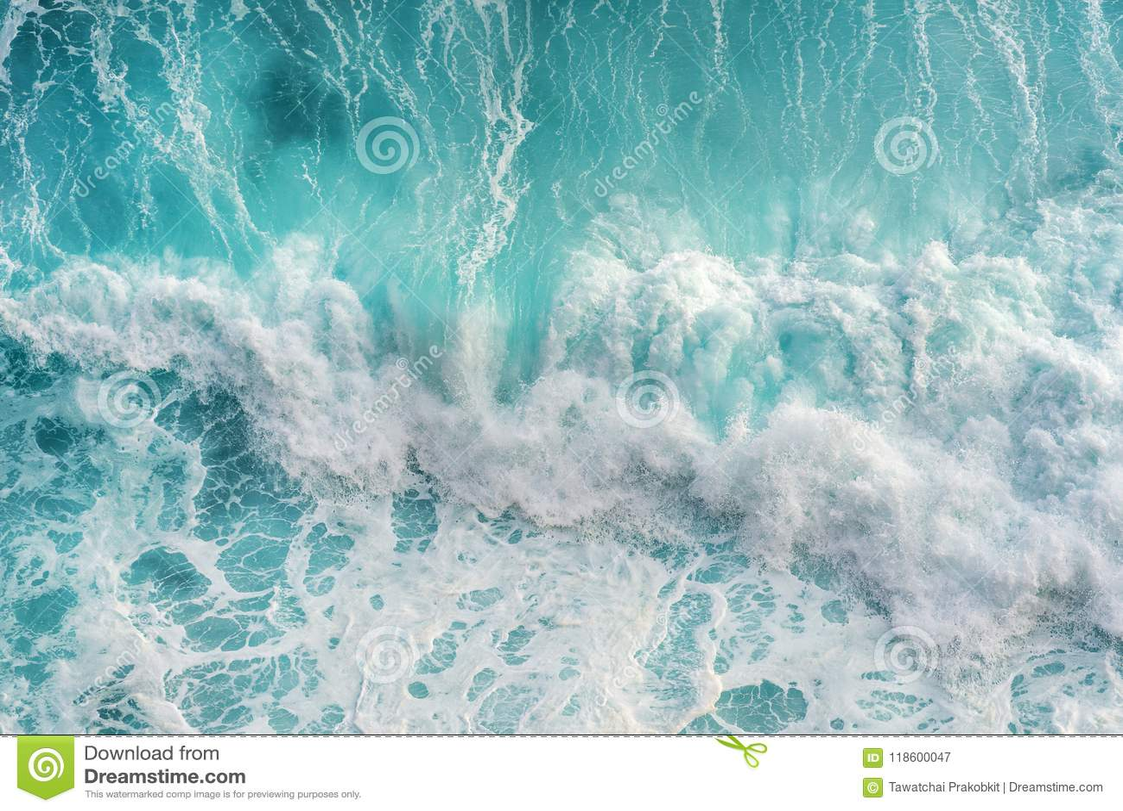 Widok z lotu ptaka ocean fala