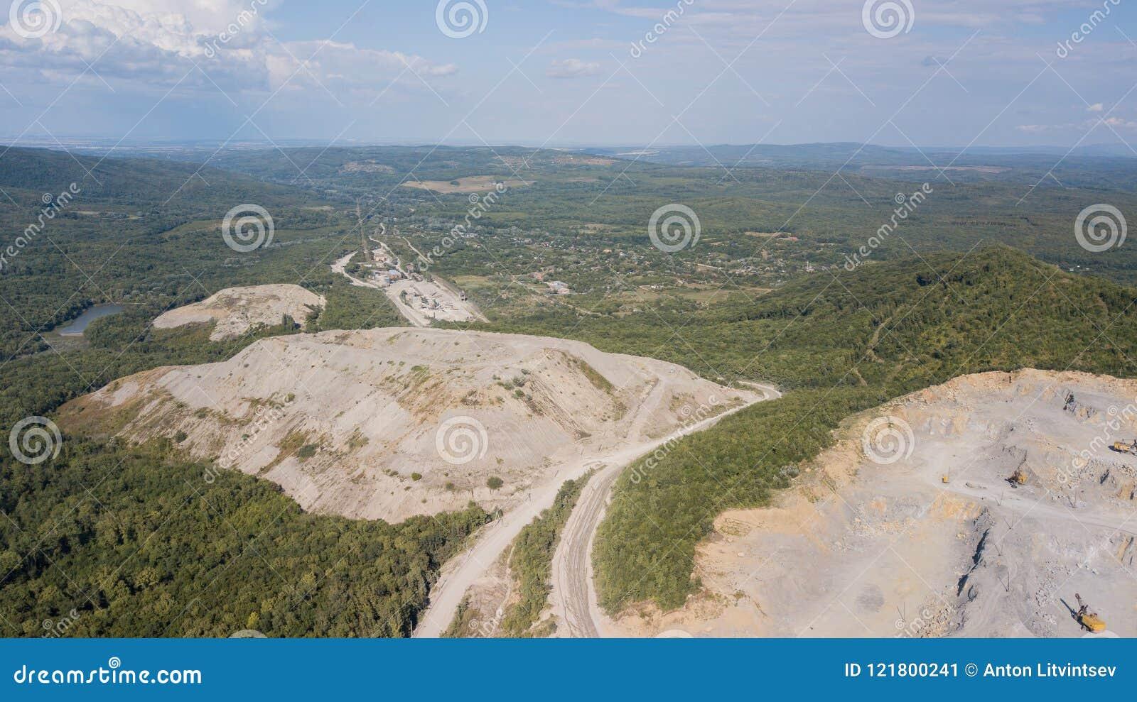 Widok z lotu ptaka od above kopalnia lokalizuje w Rosja