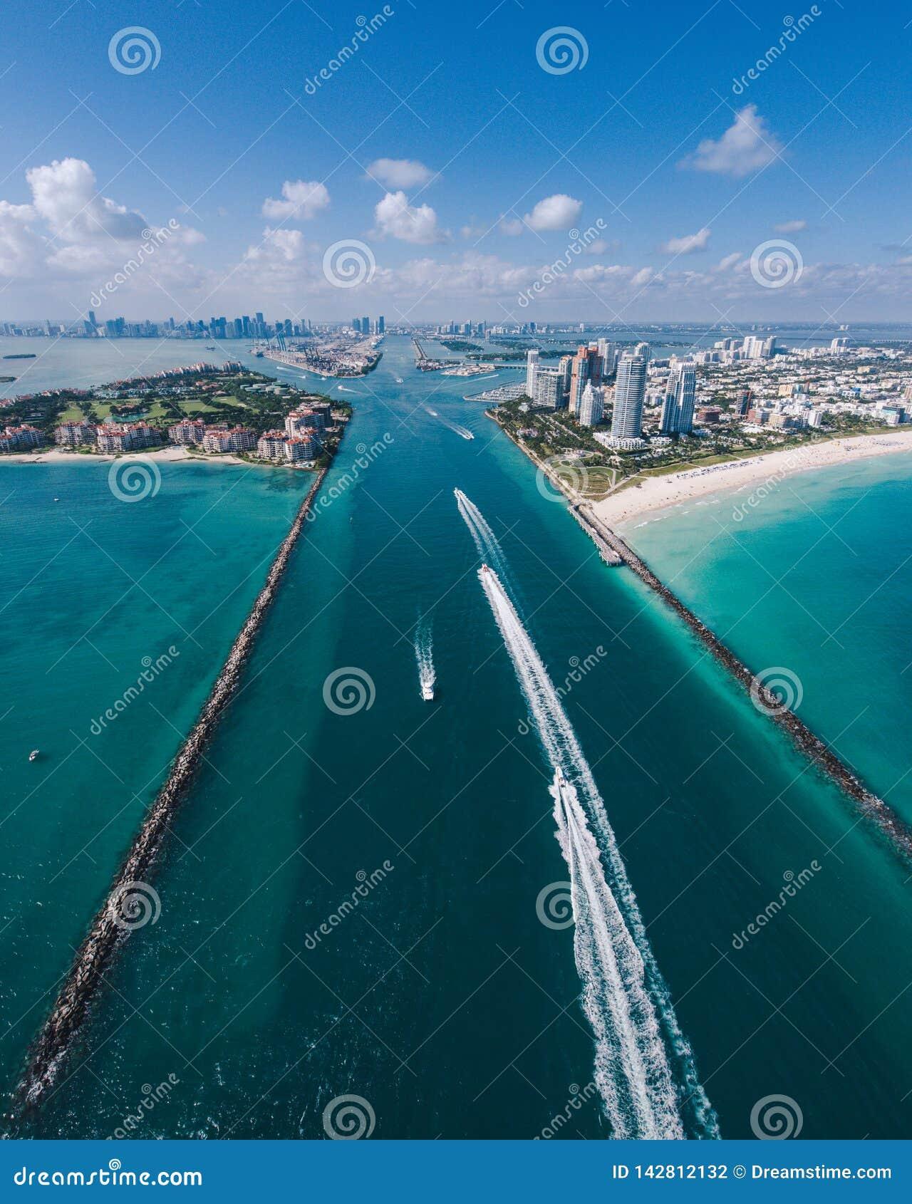 Widok z lotu ptaka Południowa Miami plaża, łodzie w widoku i