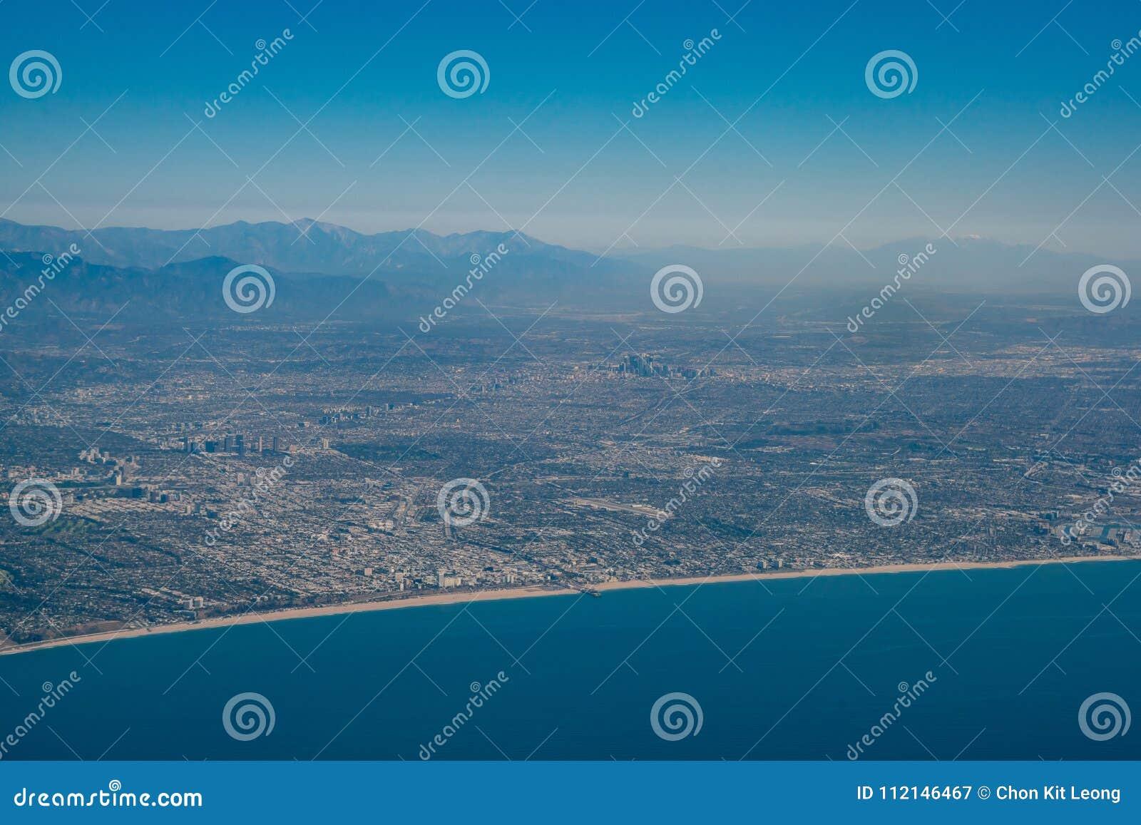 Widok z lotu ptaka Snata Monica śródmieście i teren