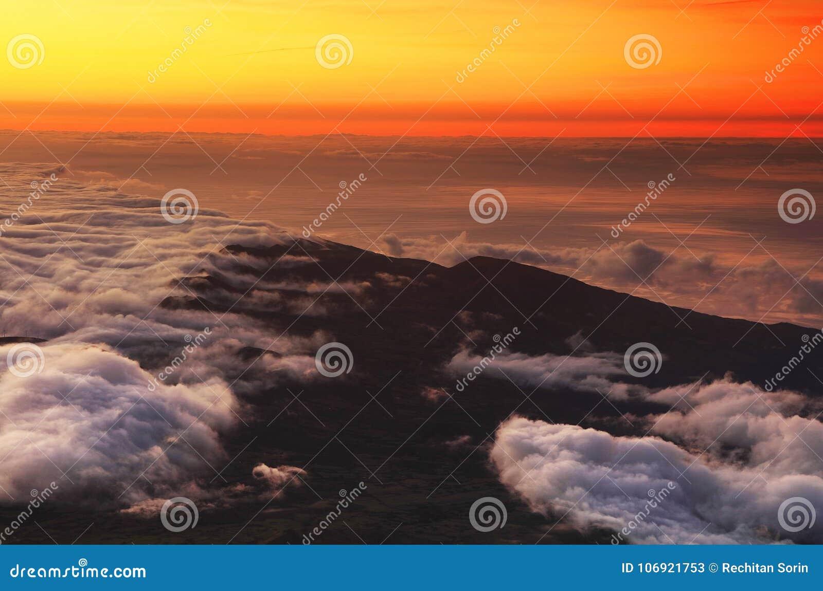 Widok z lotu ptaka Szwajcarscy Alps od samolotu