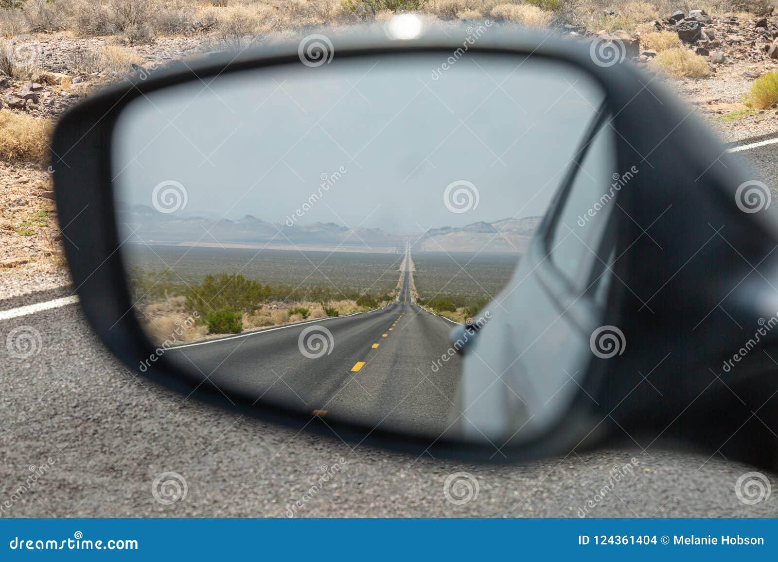 Widok z tyłu lustra