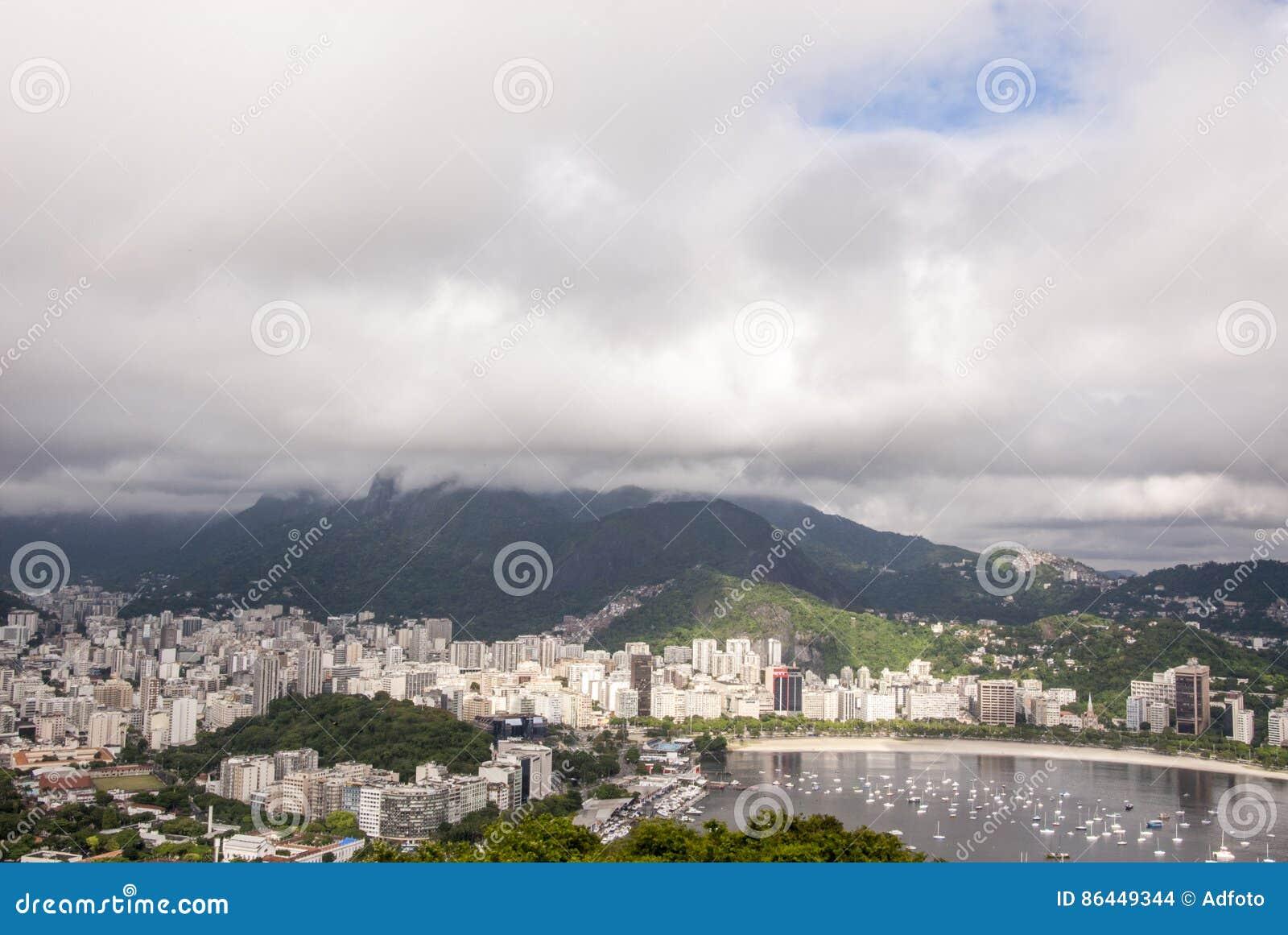Widok zatoczka Botafogo w Rio De Janeiro