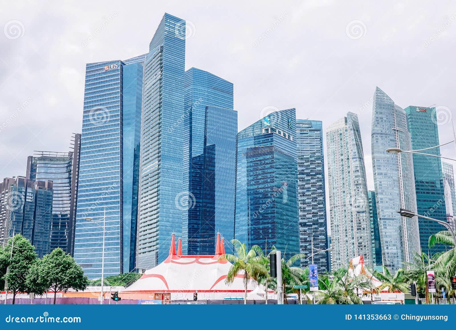 Wieżowowie w Singapur reprezentują nowożytnego dobrobyt jako centrum gospodarka