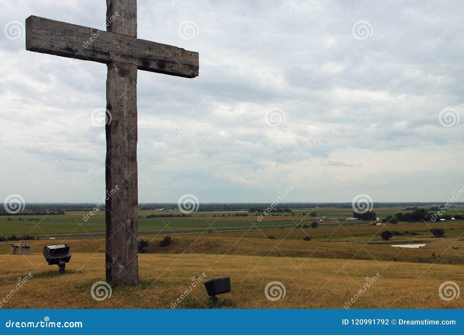Wieśniaków przecinający pobliscy pola Midwest Nebraska