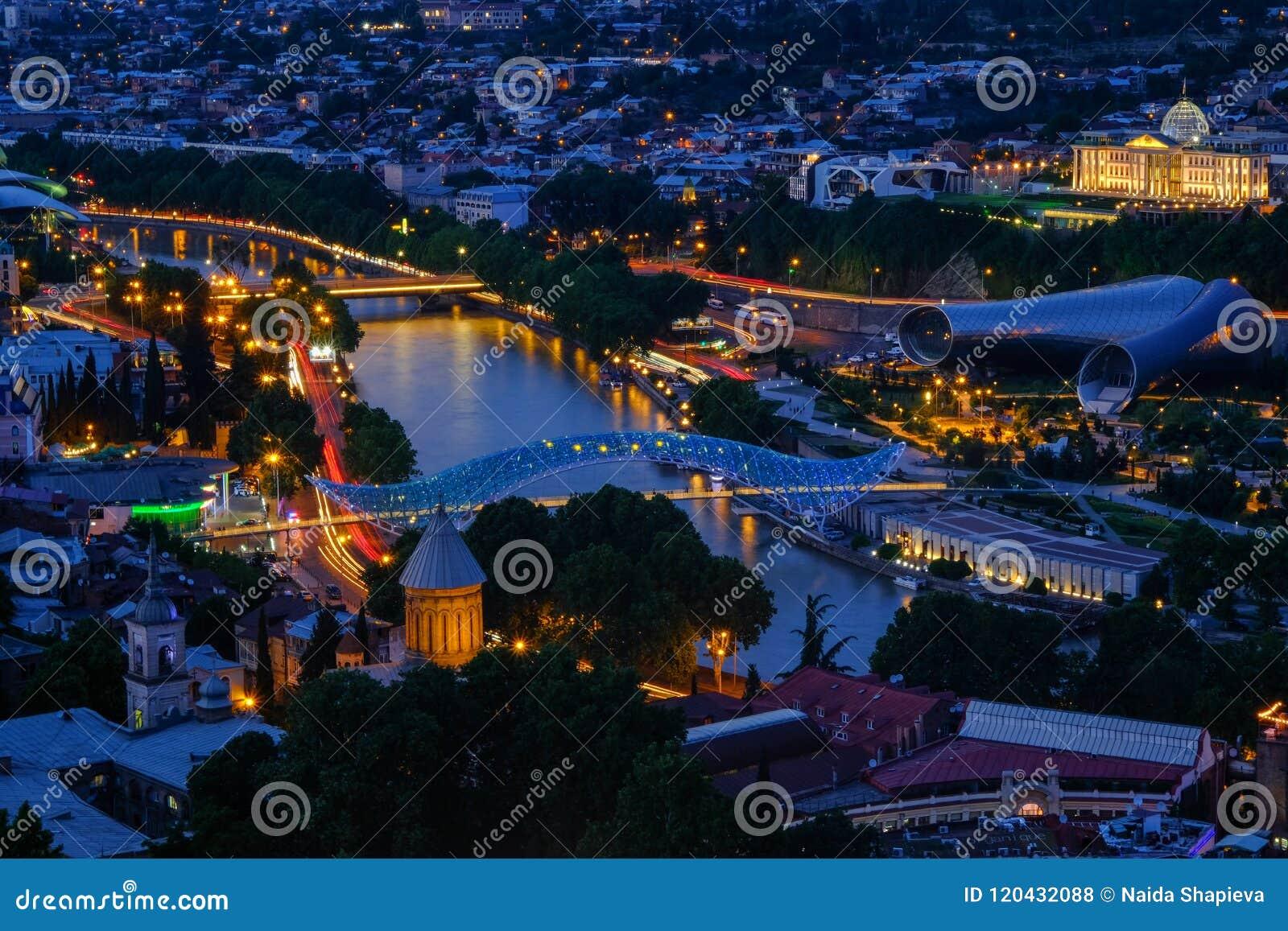 Wieczór W Tbilisi, Gruzja