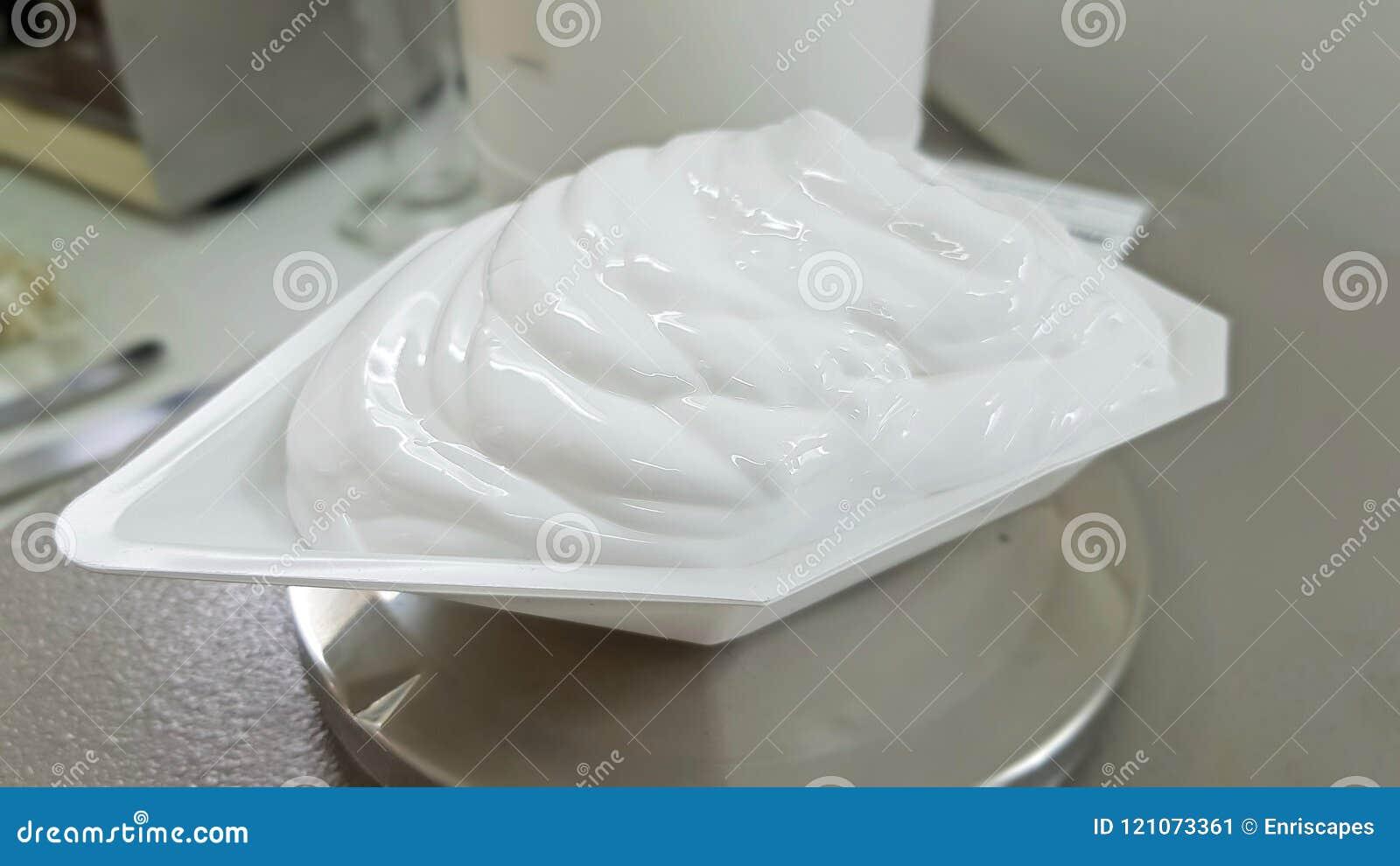 Wiegen eines Teils einer kosmetischen Emulsion