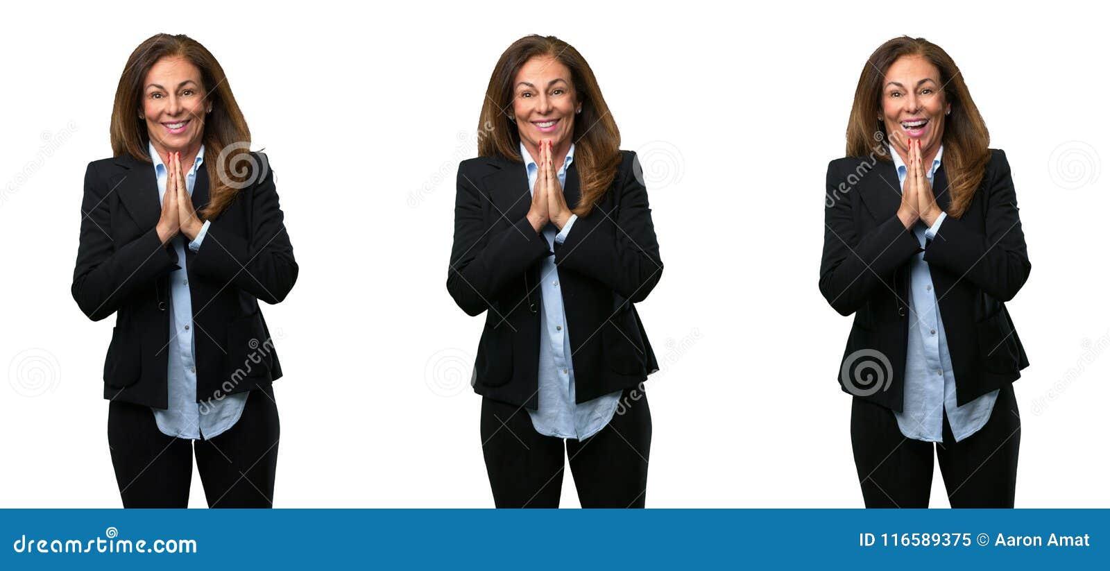 Wiek średni biznesowa kobieta z długie włosy
