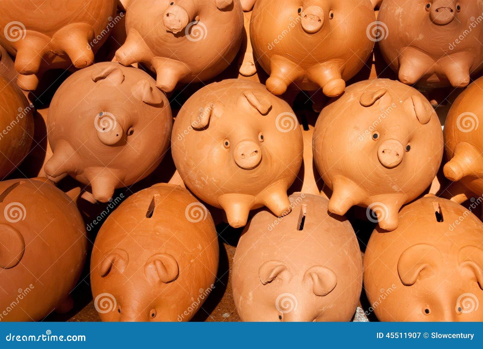 Wiele banków świnka
