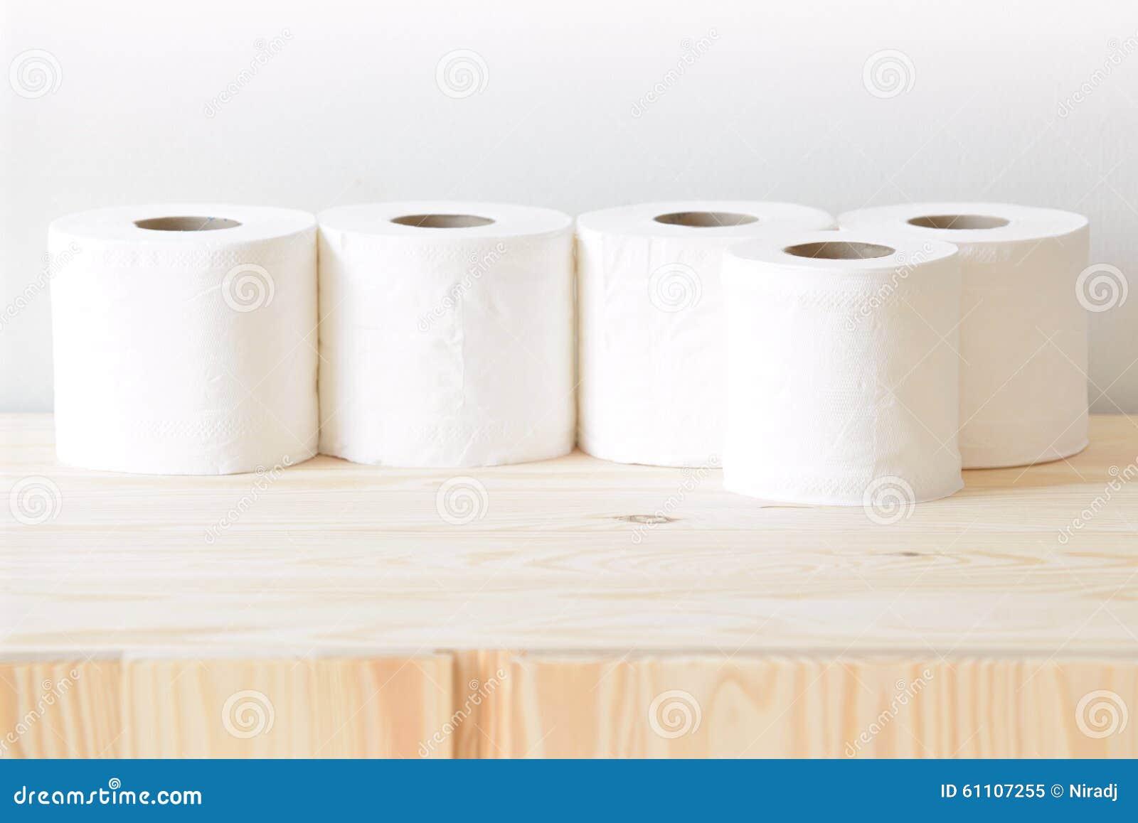 Wiele rolki papierowy ręcznik