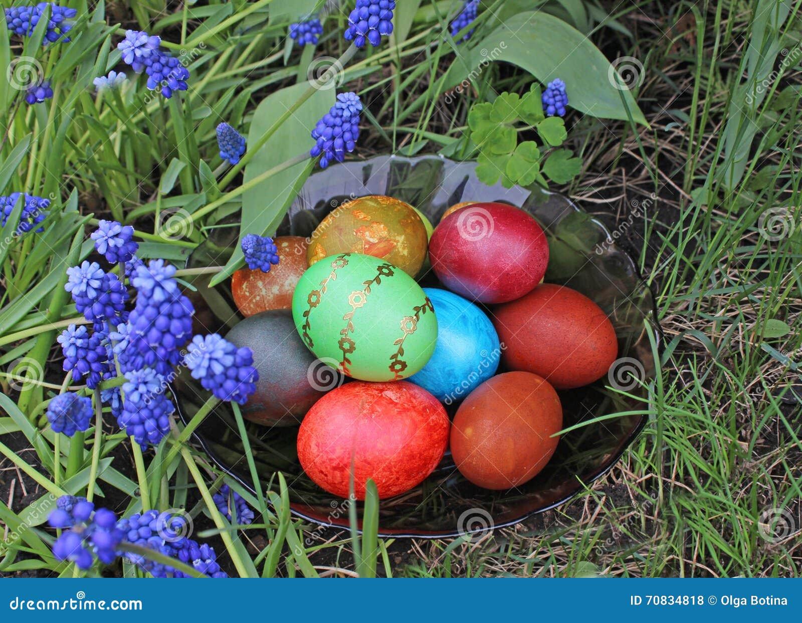 Wielkanocni jajka w kwiatach