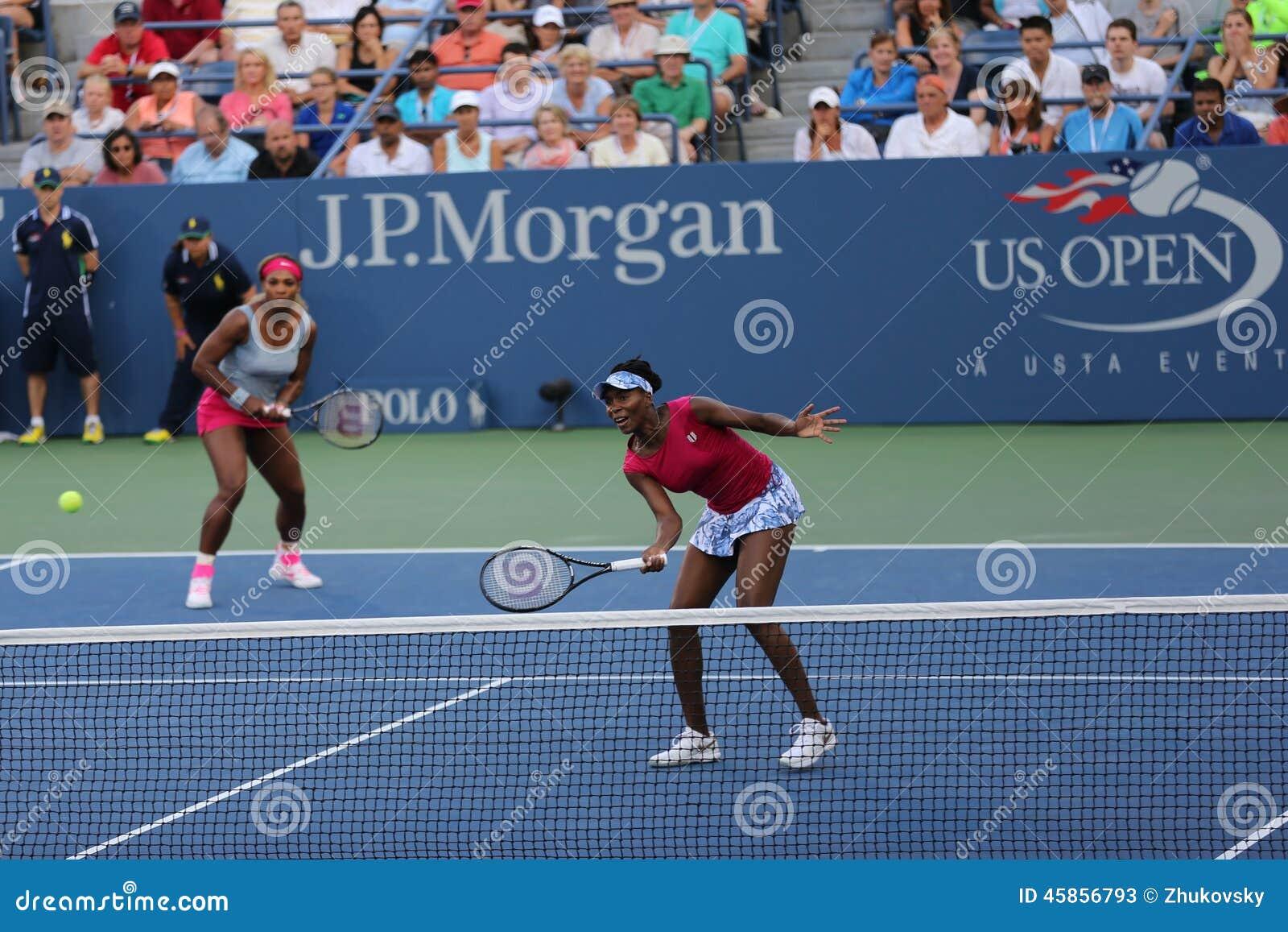 Wielkich Szlemów mistrzowie Serena Williams i Venus Williams podczas kopii dopasowywają przy us open 2014