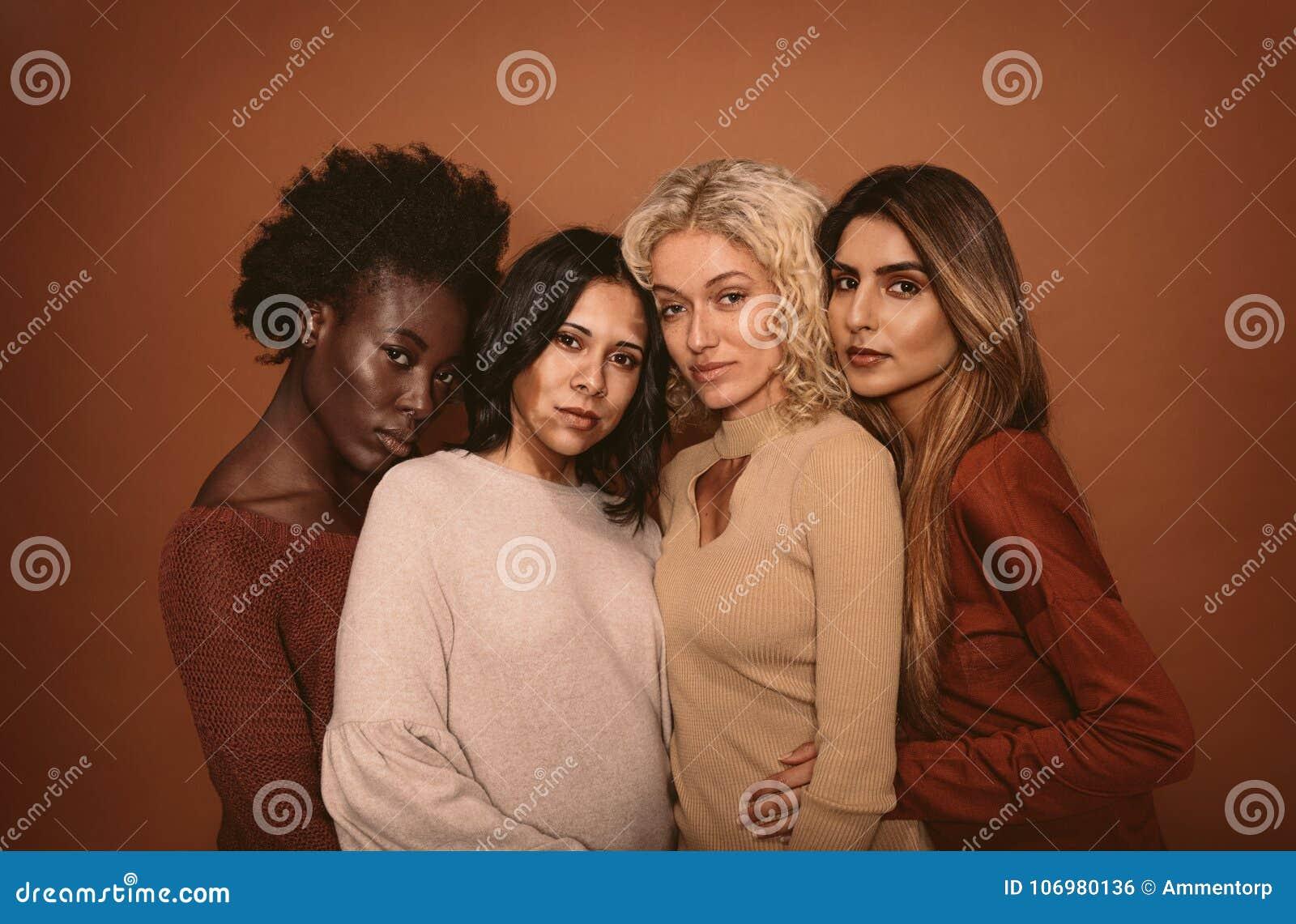 Wielo- grupa etnicza kobiety