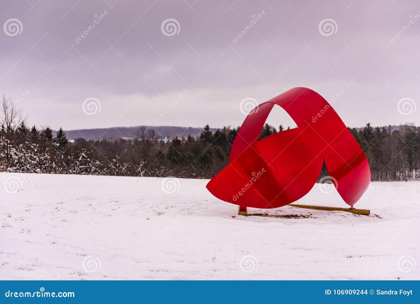Wieloryba ogon IV Cazenovia, NY - Kamienny łupu wzgórza sztuki park -