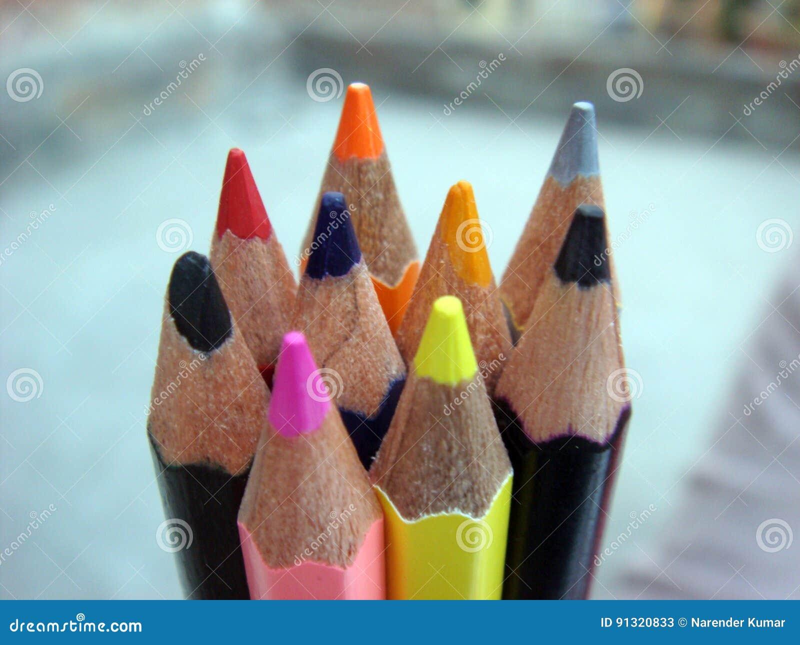 Wieloskładnikowe stalówki kredkowi ołówki