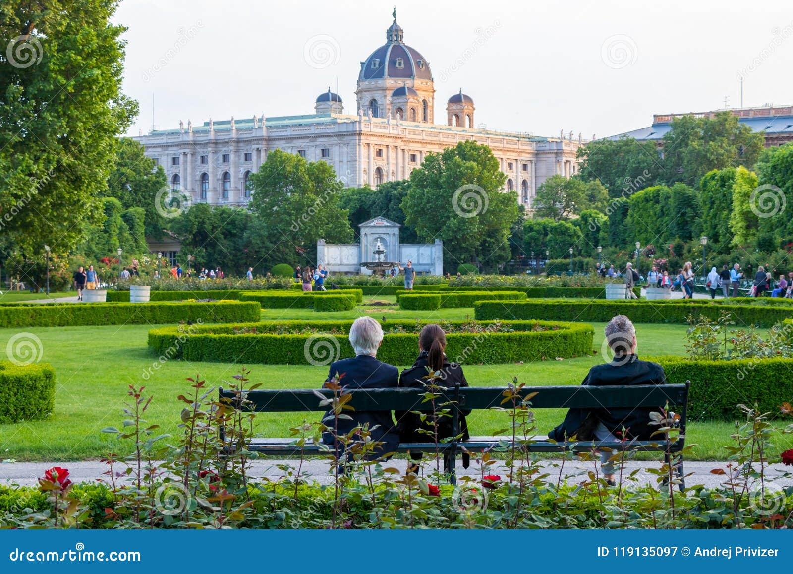 WIEN ÖSTERRIKE - MAJ 12, 2018: Volksgardenen i Wien, Österrike