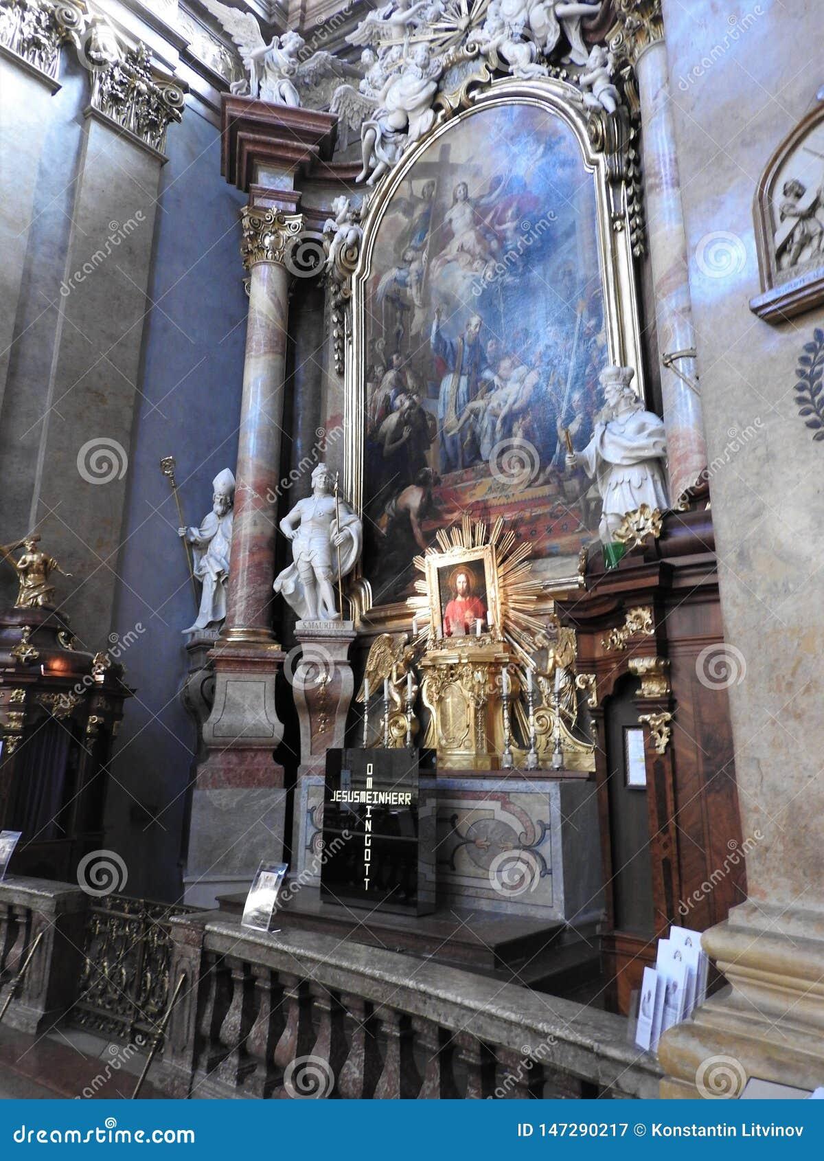 Wien, Austria-29 07 2018: Innenraum von St. Peter Peterskirche Church, barocke r?misch-katholische Gemeinde Kirche in Wien, ?ster