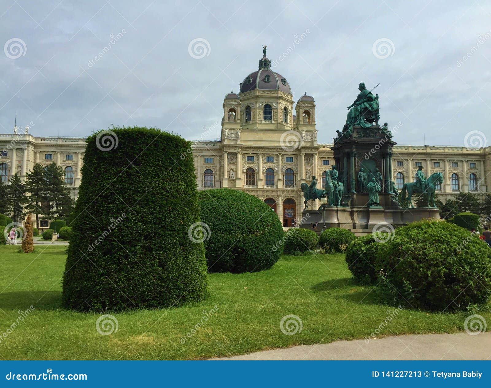 Wien - en av Europa mest besökte städer - Maria Theresa Monument