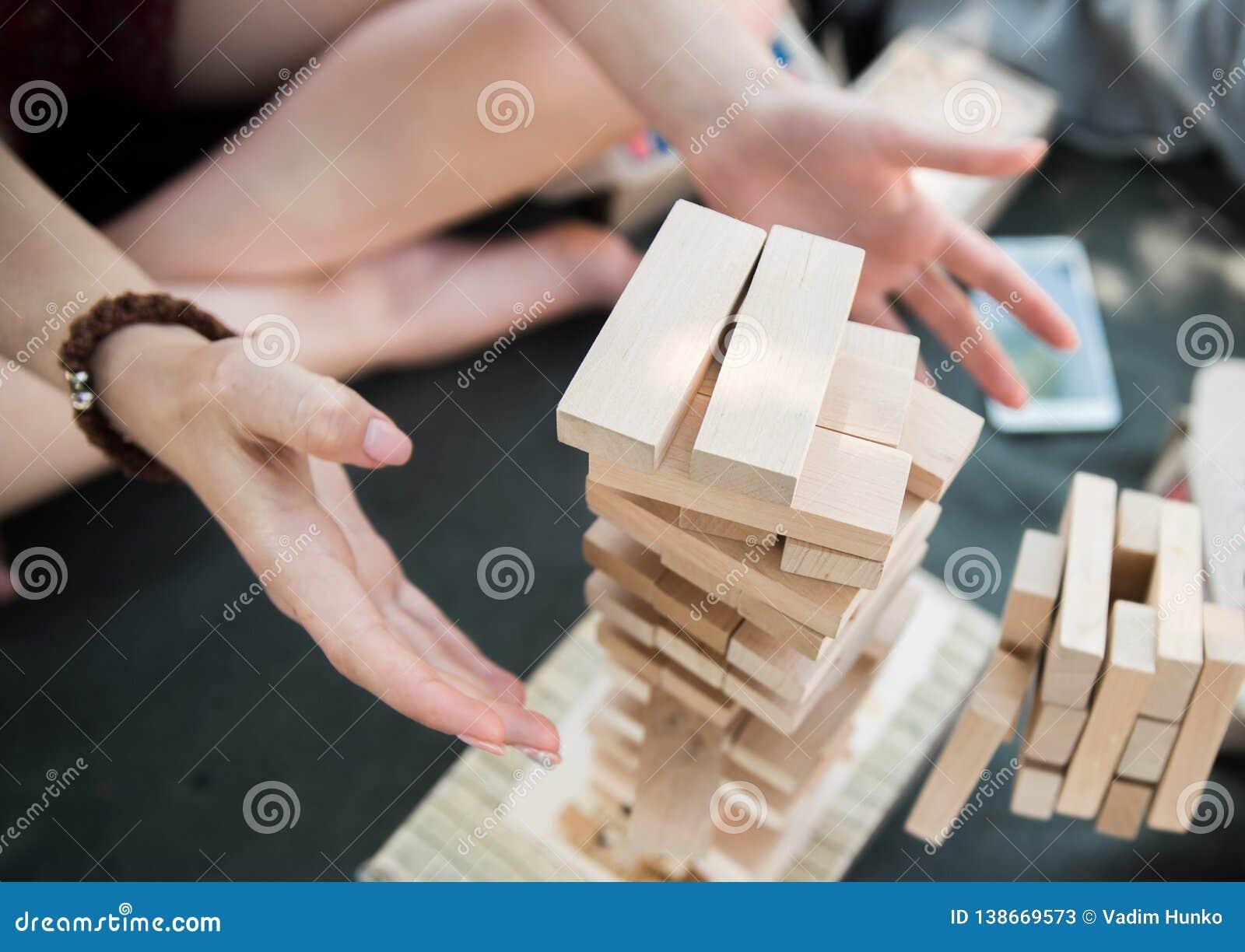 Wierza od drewnianych bloków