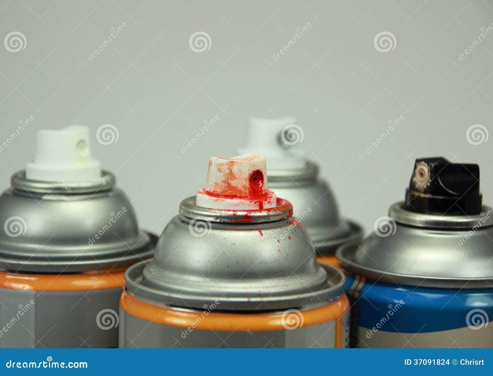 Download Wierzchołek Cztery Odizolowywał Kiści Puszki Z Różnymi Kolorami Zdjęcie Stock - Obraz złożonej z farba, kolor: 37091824