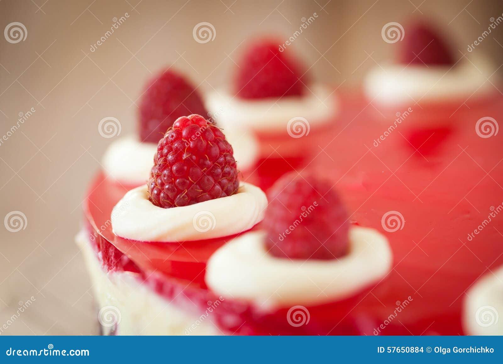 Wierzchołek malinowy cheesecake