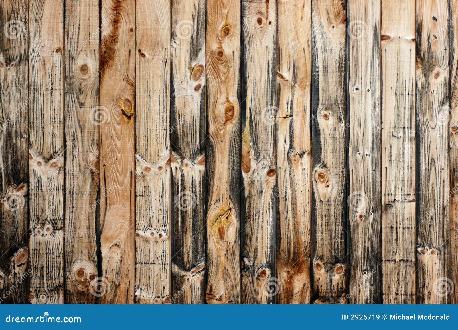 Wietrzeli drewnianą deskę