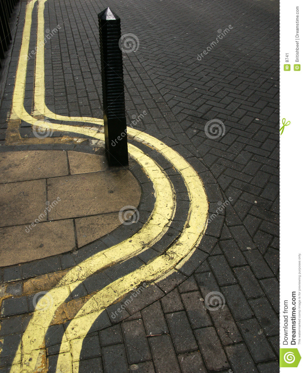 Wiggly double yellow lines