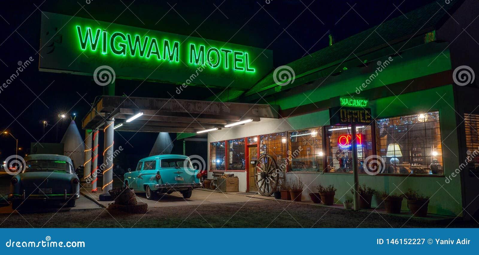Wigwammotel, Neonteken Route 66