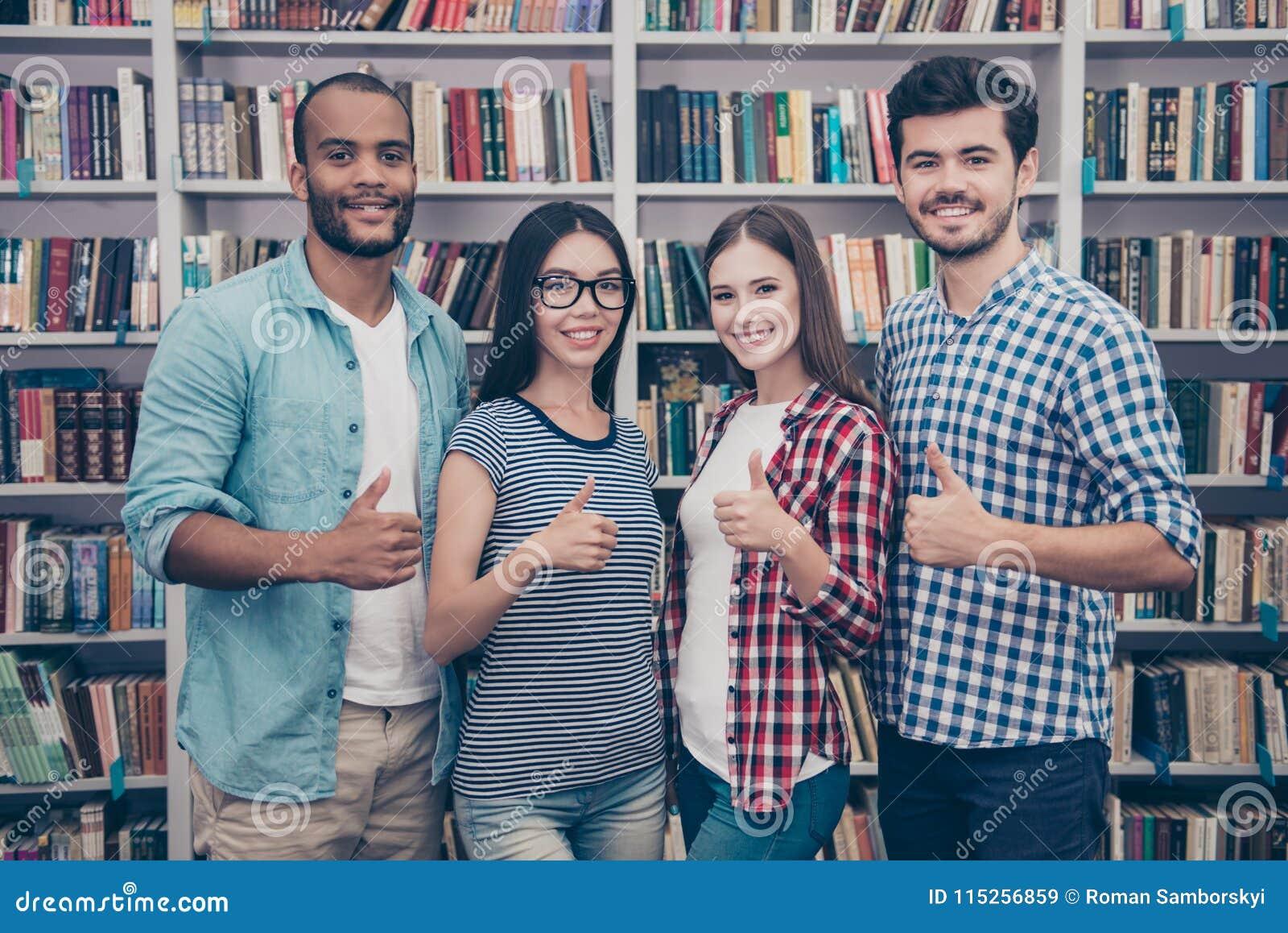 Wij houden van onderwijs! Succesvolle toekomst voor de slimme jeugd! Attra vier